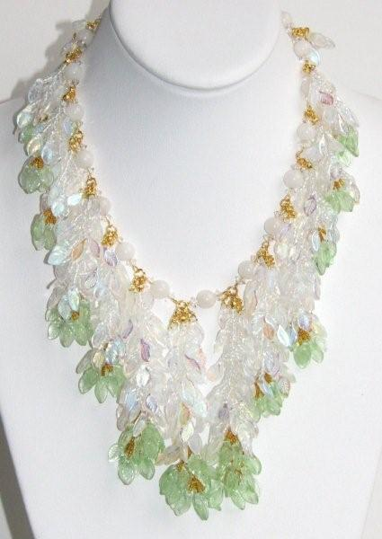 Julia Bristow Spring Snow Necklace :  juliabristow beadwork earrings vintage